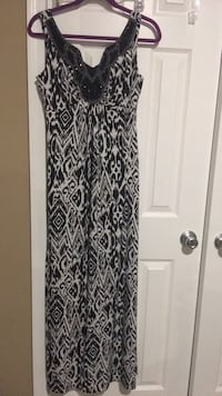 Maxi dress size 6 Harpers Ferry, 25425