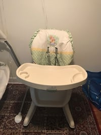 Baby's white and gray high chair Alexandria, 22304