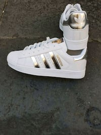 paio di sneakers adidas Superstar bianche Maddaloni, 81024