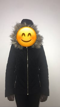 Guess jacket barely used for 2 winters still in good condition Toronto, M3C 1H3