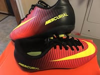 Soccer Cleats 3.5 kids youth NIKE Mercurial Clinton, 39056