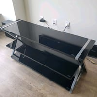 Whalen Xavier 3 in 1 tv stand for sale. Wilmington, 19801