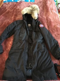 Black canada goose fur parka  Richmond, V6Y 4M7