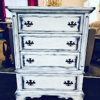 Vintage Chest Of 4 Drawers  Rustic White Wood Shabby Chic    Tampa, 33647