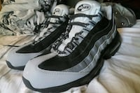 Nike Air Max 95 essential size 10.5 men Independence, 64050