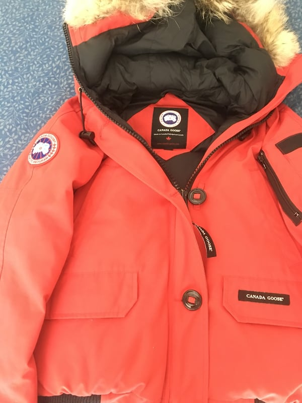Canada Goose. Women's size M 2