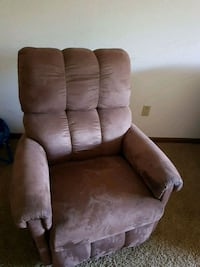 brown suede recliner sofa chair Topeka, 66604