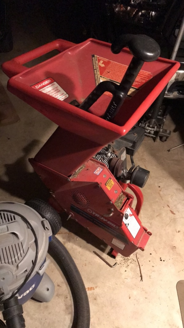 Troy Bilt Junior Tomahawk Chipper Shredder