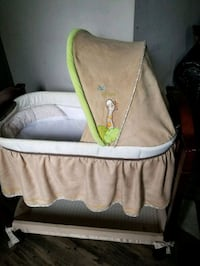 baby's gray and green bassinet Ashton-Sandy Spring, 20860