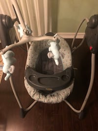 GRACO ELECTRIC BABY SWING!  MUSIC AND MUTLI SPEED! Toronto, M5J