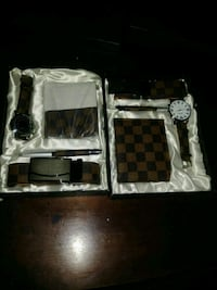 white and black checked leather wallet Moreno Valley, 92557