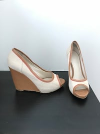 Nine West sandals nude wedge size 6 Toronto, M9C 1B8