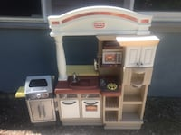 Vintage little tykes kitchen with barbecue Monroe, 06468