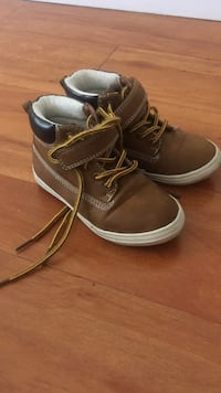 toddler's brown leather work boots Surrey, V3R 5X9