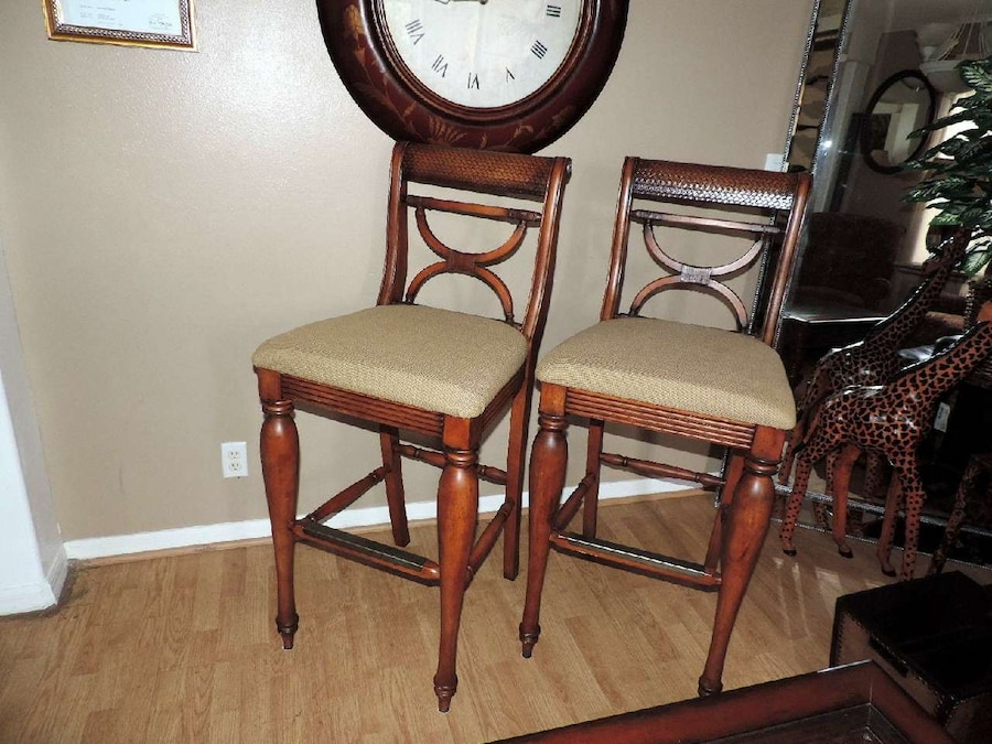 Letgo Set Of Two Tommy Bahama S In Port Saint Lucie Fl