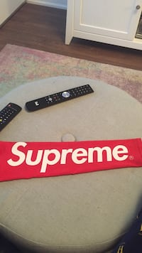 Will trade 1 supreme sleeve with box for true religion supreme bape Jordan's and other hype Toronto, M2K 3B8