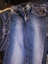 blue-washed Miss Me jeans Bakersfield, 93305