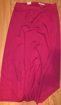 Gap pink gap long skirt size 8 new with tags on it  Toronto, M3B 3R7