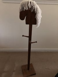 Wooden hanging stand Whitchurch-Stouffville, L4A 0A6