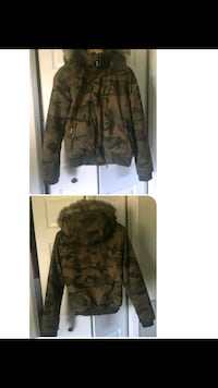 Bench Winter Jacket Ottawa, K4P 1C2