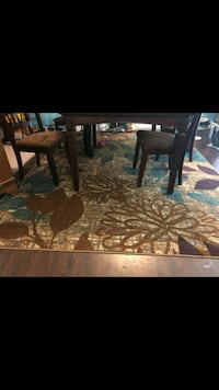 Kitchen Table and Area Rug Colorado Springs