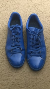 Shiny blue puma shoes Ventura, 93003