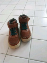 Size 6 brown boots District Heights, 20747