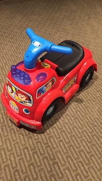 Fisher-Price Little people ride on fire truck