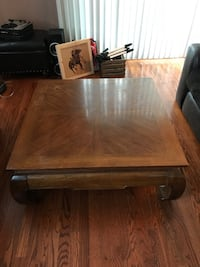 Coffee table Chicago, 60642
