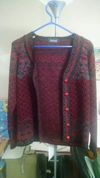 women's red and black floral sweater Waterloo, N2J 4Z1