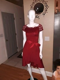 Red dress size : L Kissimmee, 34744