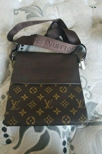brown Louis Vuitton crossbody Longueuil, J4K 1A3