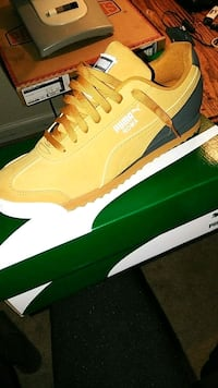 unpaired yellow Nike Air Max shoe with box Jackson, 38305