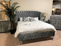Coaster King Velvet Bed Louisville, 40291