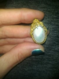 Vintage broach. With mother of pearl.  Fort Smith, 72904