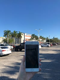Phone screen repair Miami, 33155