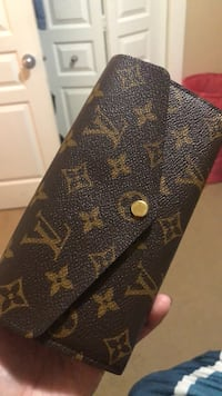 Authentic Louis Vuitton wallet Calgary, T2Y 5G5