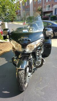 black and gray standard motorcycle Annandale, 22003