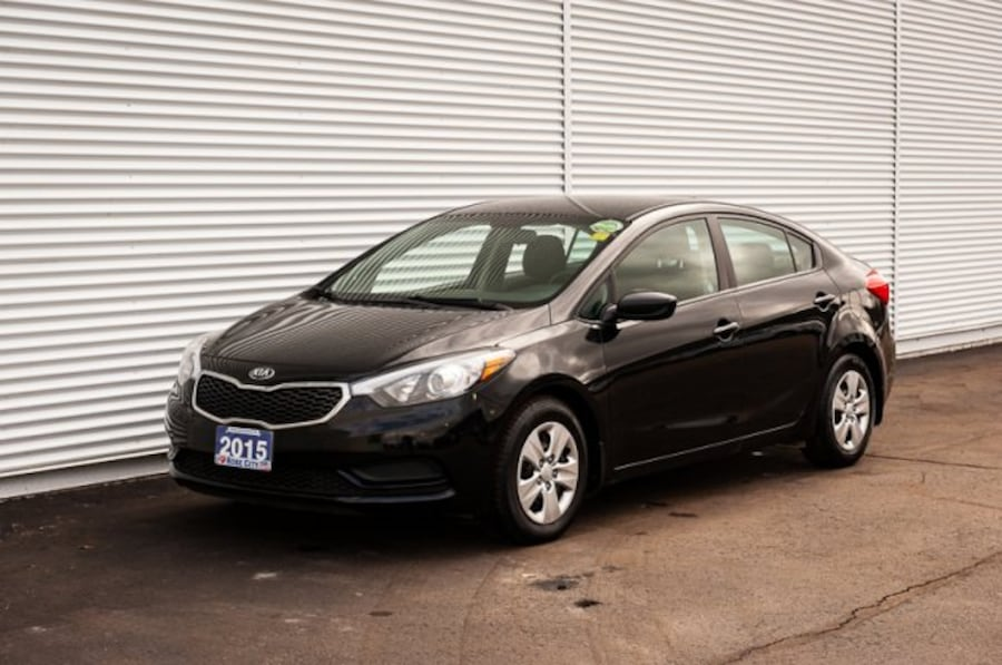 2015 Kia Forte LX / MANUAL / CLOTH df6569d4-b4b4-45e8-b9db-fb5ca71ec9ed