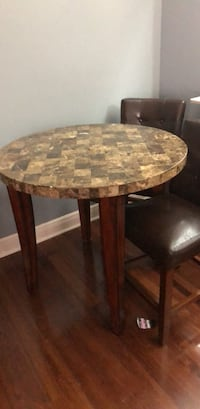 stone pub table and chairs  New Orleans, 70131