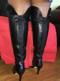 Pair of real Italian black leather knee-high boots Toronto, M1R