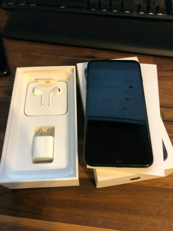 Brand new jet black iPhone 7 plus $130 85c1f725-8ac1-4239-a644-6d134910aad2