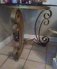Glass top side table Tallahassee, 32303