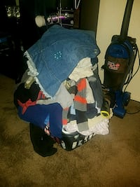 Mix of toddler boys clothes and womens clothes 1220 mi