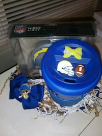 Chargers night light /chargers cup/bow basket $25  Bakersfield
