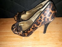 black-and-brown leopard print pumps Edmonton, T5J 3R8