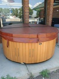 78.5 inch diameter nice tub and affordable  Colorado Springs, 80918