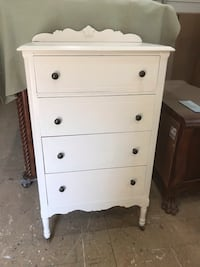 Wood chest of drawers  Fayetteville, 37334