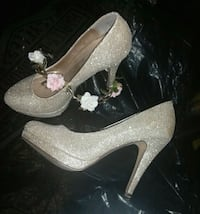 gold heels, size 7 1/2