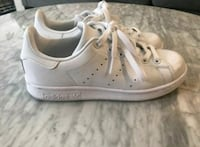 Adidas women size 5 Vancouver